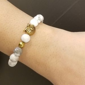 Handmade White Howlite Beaded Stretch Bracelet